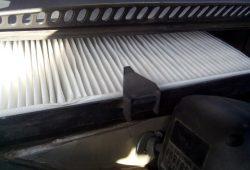Замена салонного фильтра Volkswagen Passat в Минске