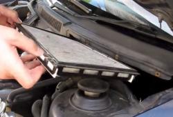 Замена салонного фильтра Volkswagen Golf