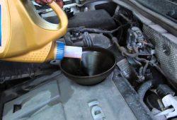 Замена масла в двигателе Volkswagen Tiguan