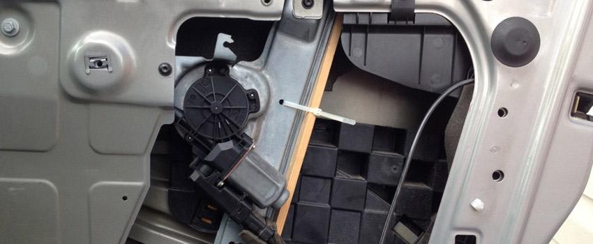 Ремонт стеклоподъемника двери в Peugeot