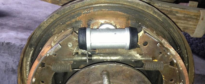 Замена тормозных цилиндров Peugeot