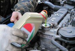 Замена масла в двигателе Volkswagen Golf