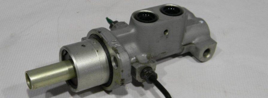 Замена главного тормозного цилиндра Peugeot в Минске