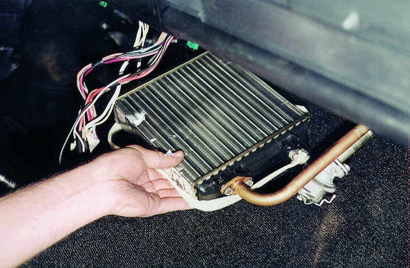 Замена радиатора печки Ford в Минске