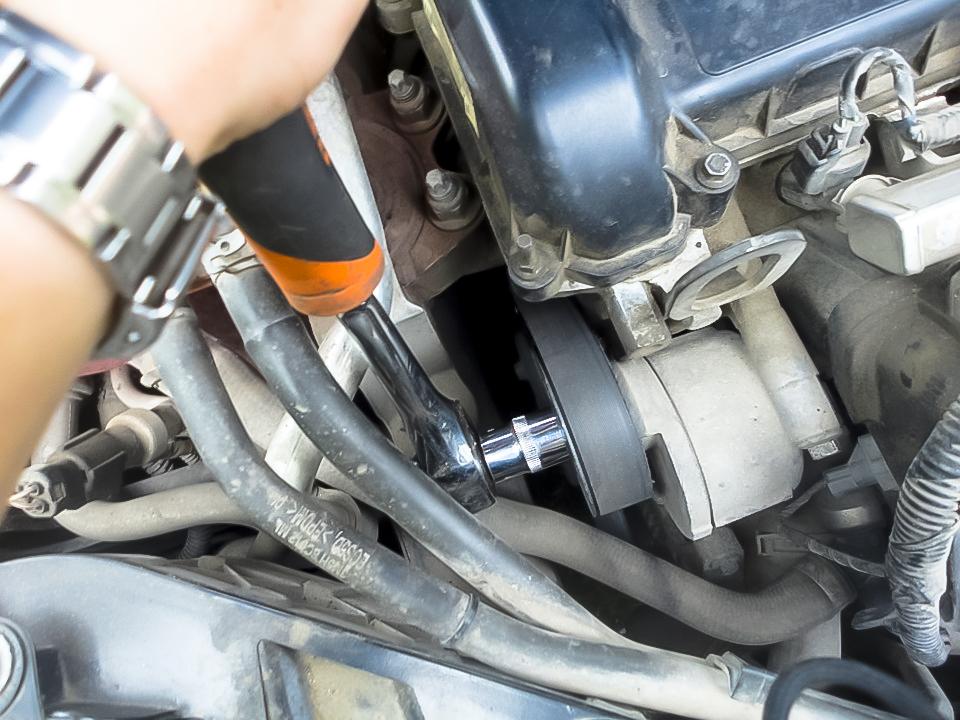 Замена термостата Ford в Минске