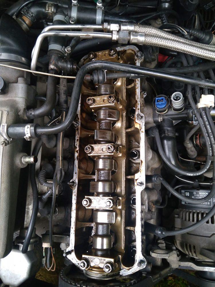 Замена клапанной крышки Audi в Минске