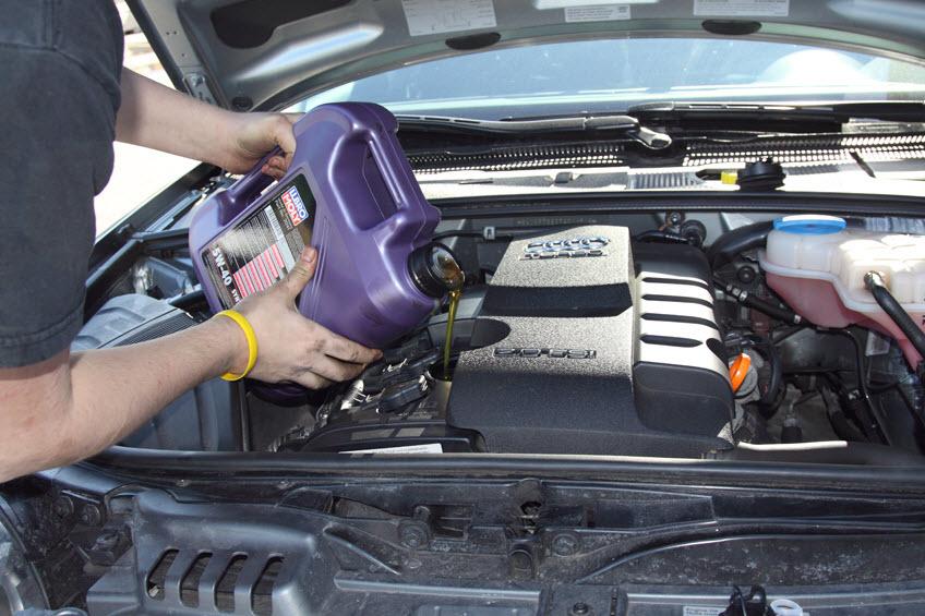 Замена масла бензинового двигателя Audi в Минске