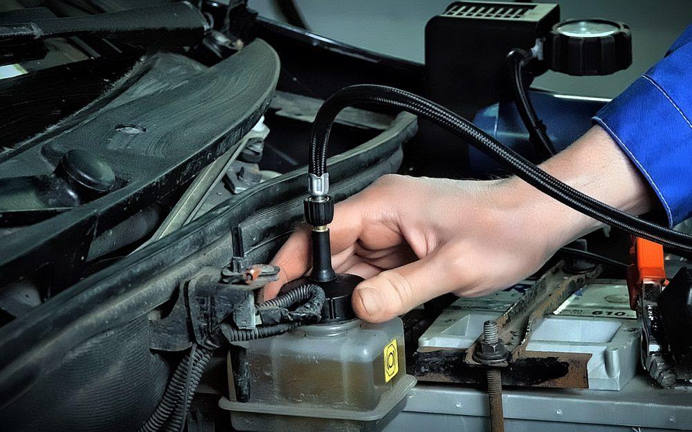 Замена тормозной жидкости Mazda в Минске