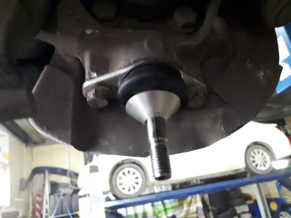 Замена шаровой опоры Nissan в Минске