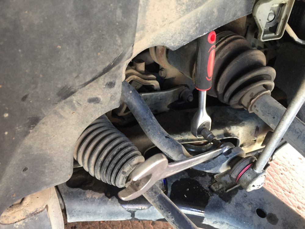 Замена стоек стабилизаторов Jeep в Минске