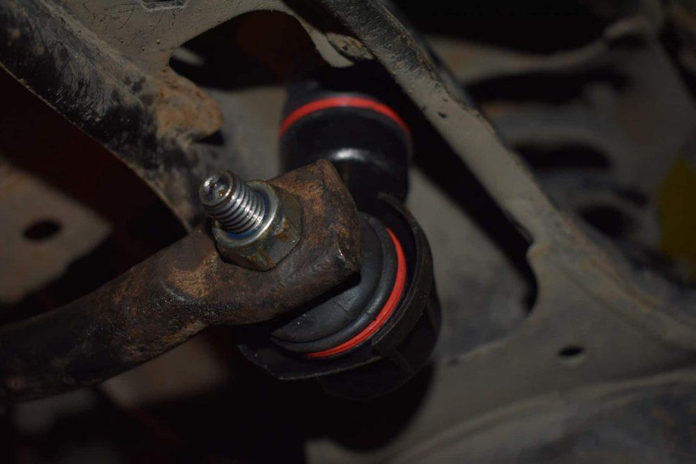 Замена втулок стабилизаторов Mazda в Минске